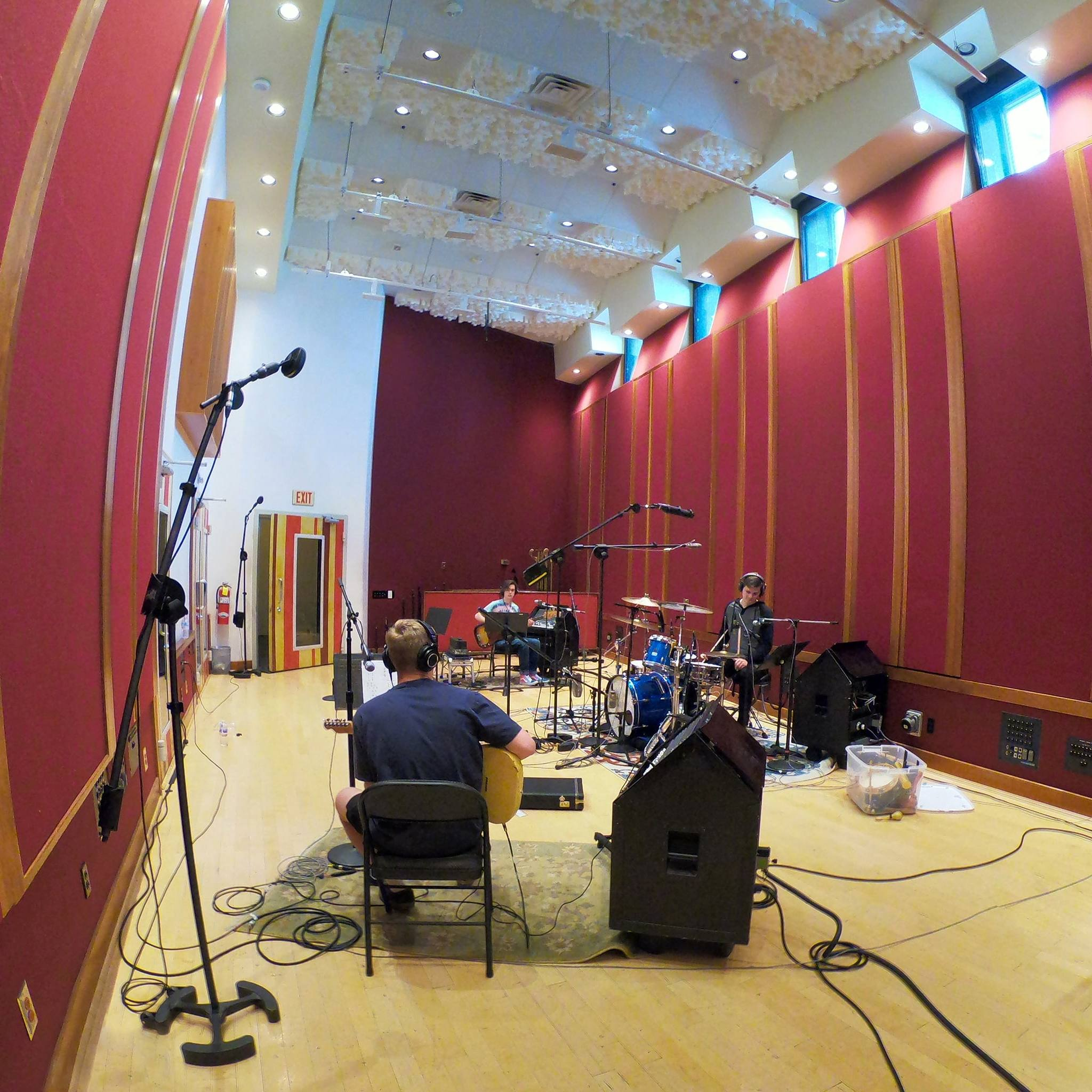 Summer camp in live room